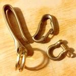 真鍮製のカラビナとフック